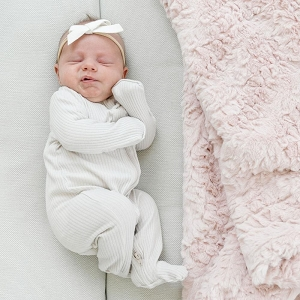 Saranoni Blush Dream Blanket